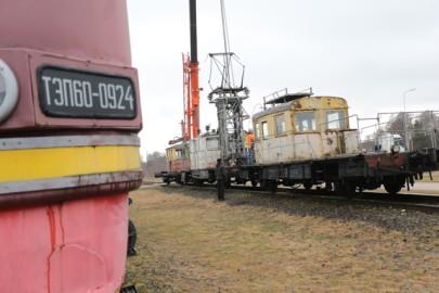 Raudteemuuseumi veeremi toomine Haapsallu. Tarmula57