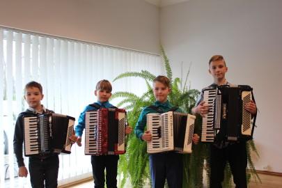 Neli haapsallast akordionisti II koht (vasakult) ja kolm esimest (Julia Prokoptšuk)
