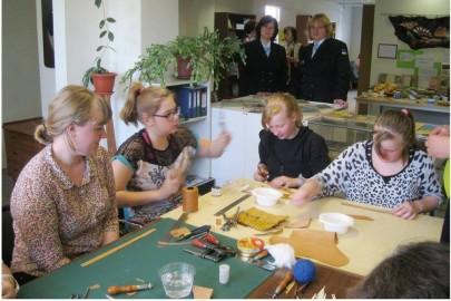 Egge Eddussaar-Haraku näituse avamine Lihula raamatukogus (heiki magnus) (12)