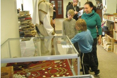Egge Eddussaar-Haraku näituse avamine Lihula raamatukogus (heiki magnus) (7)