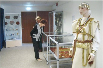 Egge Eddussaar-Haraku näituse avamine Lihula raamatukogus (heiki magnus) (27)
