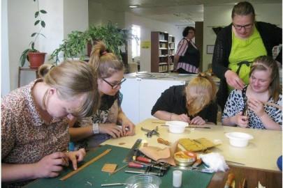 Egge Eddussaar-Haraku näituse avamine Lihula raamatukogus (heiki magnus) (9)