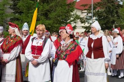 Läänemaa tantsupeo rongkäik 201709