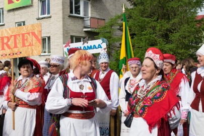 Läänemaa tantsupeo rongkäik 201713