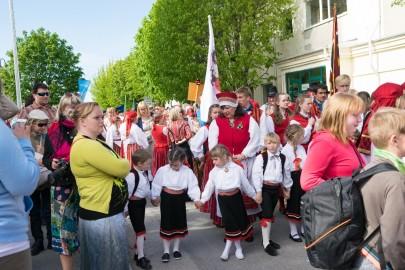 Läänemaa tantsupeo rongkäik 201722