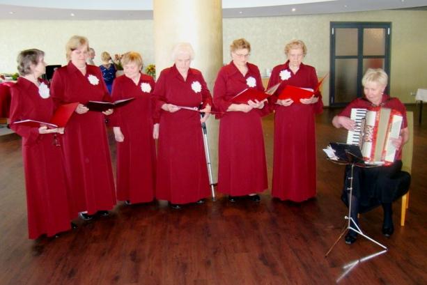 Laululusti jagab Risti naisansambel Peoleo