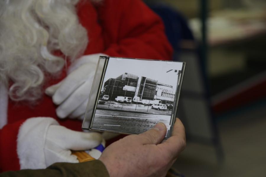 cb9c89b1925 Fotokroonika Haapsalu kaubanduskeskuse ehitusest. Fotod Arvo Tarmula.  Jõuluvana Kusti andis eile Haapsalu tarbijate ühistu ...