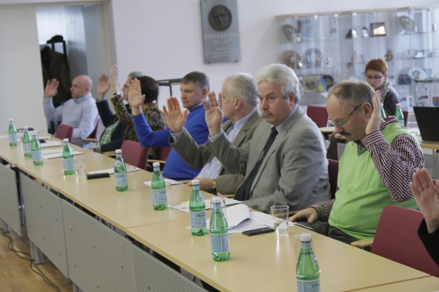 6122a84fdcb Arvo Tarmula[/caption] Reedesel Haapsalu linnavolikogu istungil tühistati  kõigi volinike toetusel ja ilma ühegi küsimuse või kommentaarita juunis  vastu ...