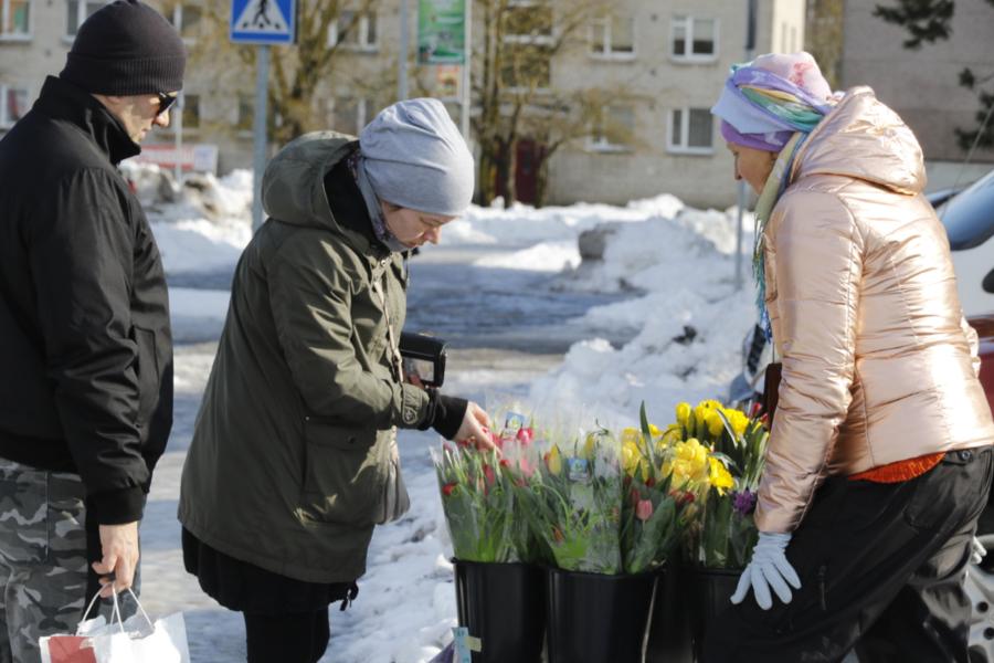 5c2ce4c7843 Galerii: ükski naine ei tohiks täna jääda lilleta - Uudis.eu