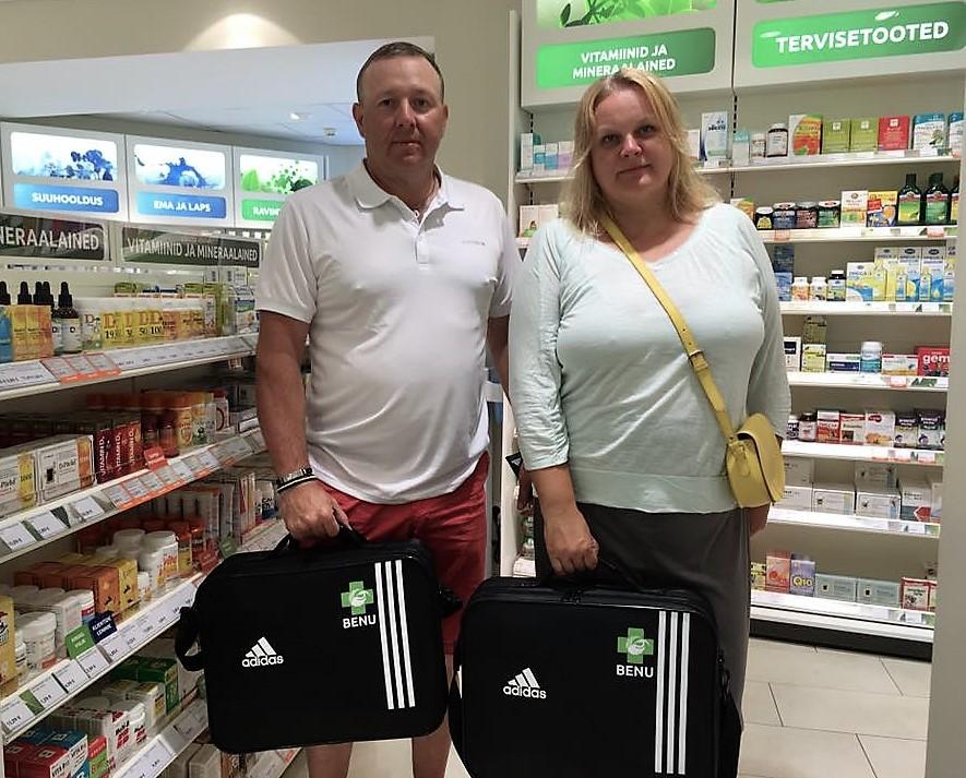 Eesti jalgpalliklubid said kätte BENU esmaabikohvrid.