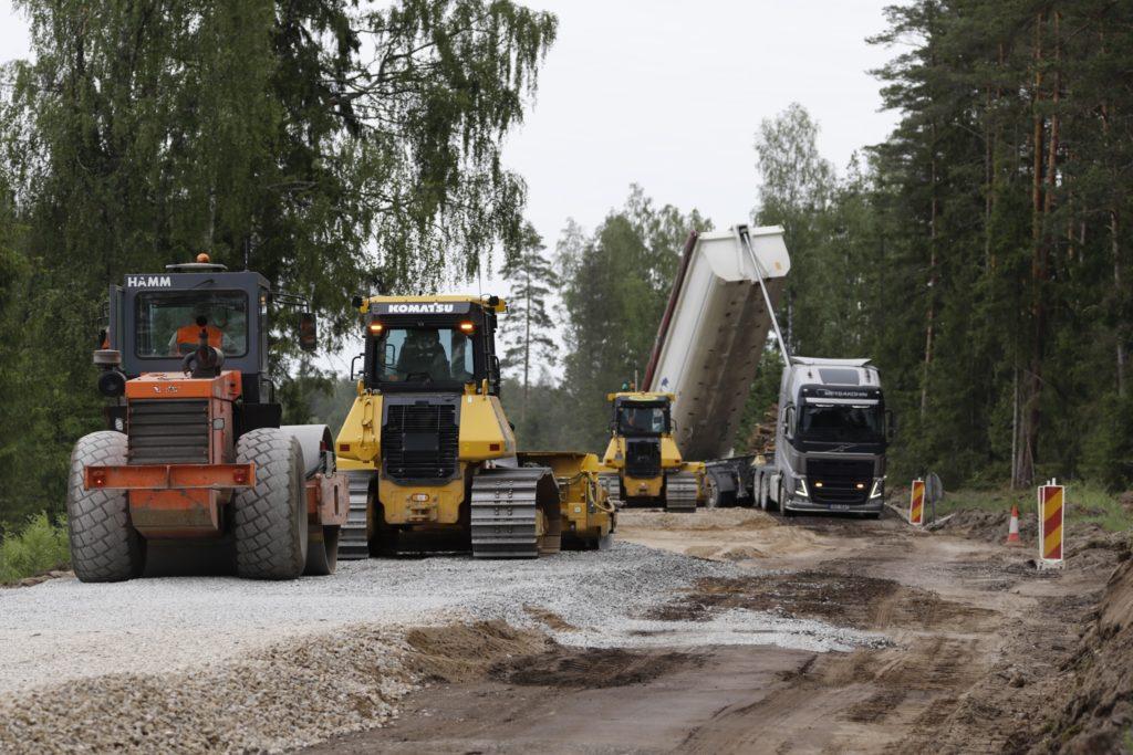Galerii: Kuijõe-Seljaküla teel ehitatakse kaks uut silda