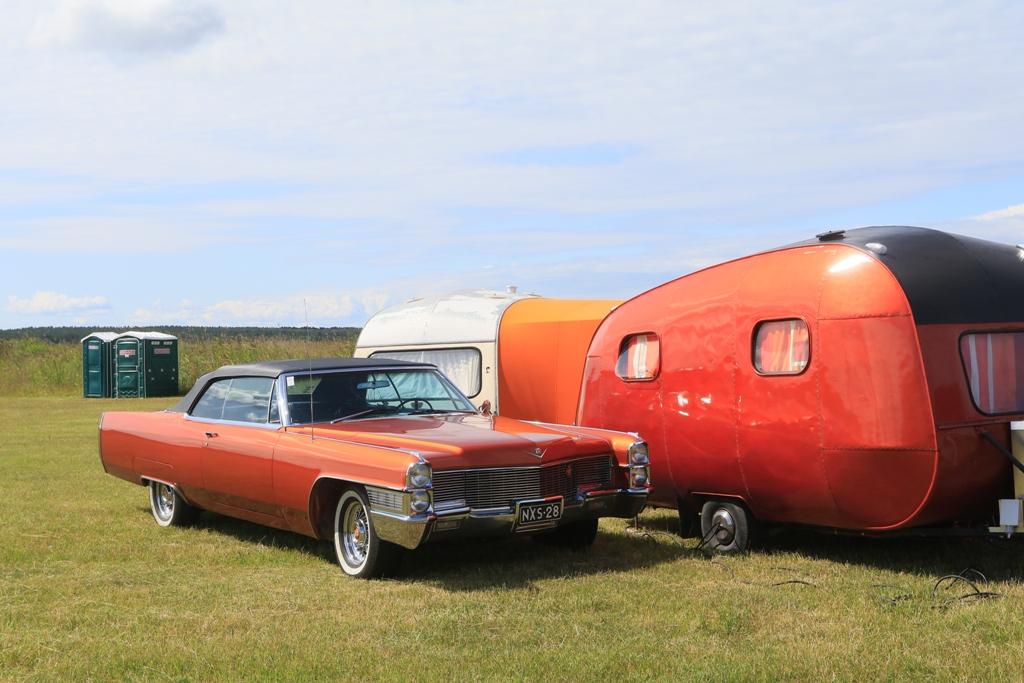 Galerii: Haapsalu valmistub Ameerika autode näituseks
