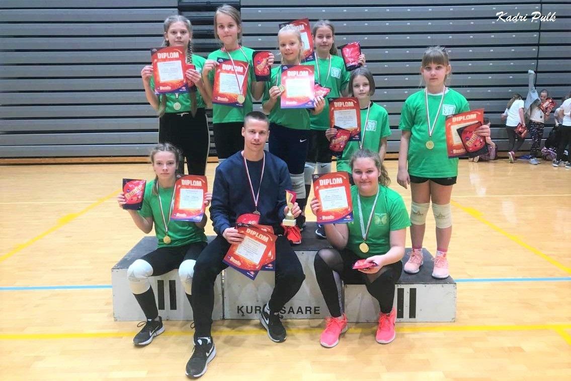 Oru kooli tütarlapsed võitsid Dumle rahvastepalli finaalvõistluse