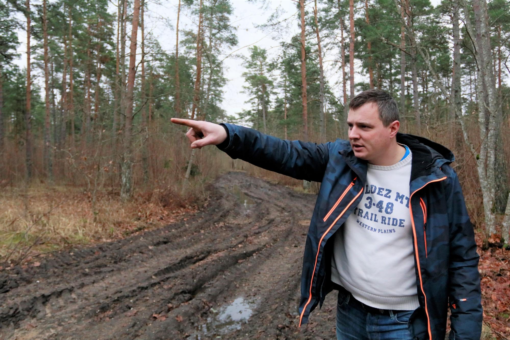 Valgevälja teed on metsaraie tõttu rikutud
