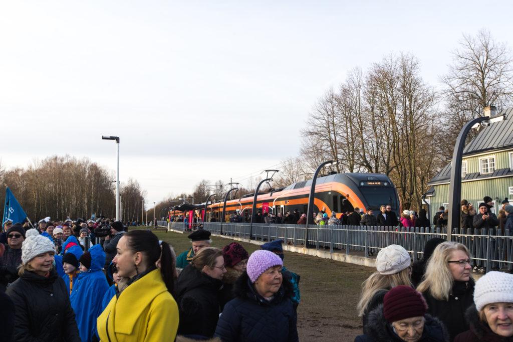 Galerii: Riisipere-Turba rong tegi Eesti kiireimal raudteel esimese sõidu